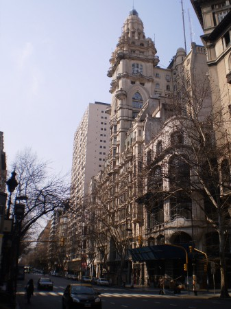 Palacio Barolo, Avenida de Mayo