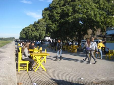 Strolling along La Costanera