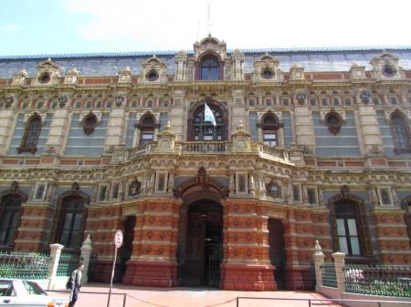 Side entrance on Riobamba, Palacio de Aguas Corrientes