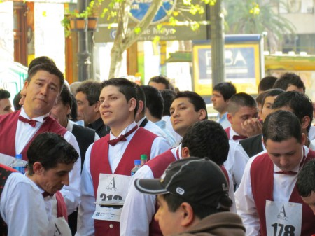 Milling around before the start, Waiter's Race, Buenos Aires