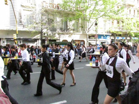 The ladies race starts, Waiter's Race, Buenos Aires