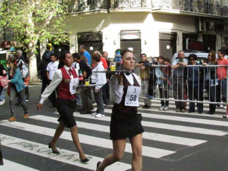 Waiter's Race, Buenos Aires