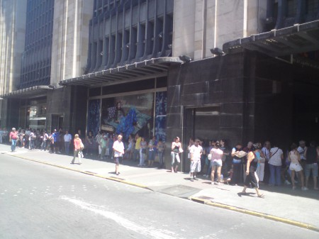 SUBE Queue in Abasto