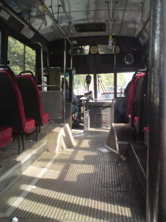 An empty 115 leaving Retiro