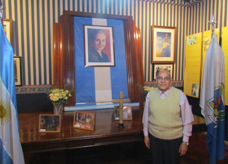 Evita's office and the 82 year-old guide
